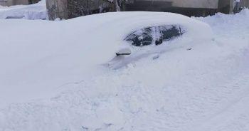 Yoğun kar yağışı! Kar kalınlığı 6 metreyi geçti