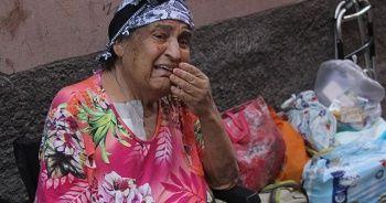 7 çocuklu yaşlı kadın sokağa atıldı