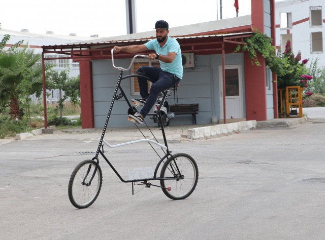 2 buçuk metre uzunluğunda bisiklet yaptı