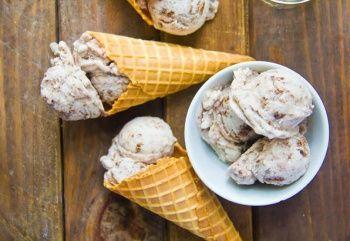 En Kolay Dondurma Tarifleri / Ev Yapımı Salepsiz Dondurma Tarifleri