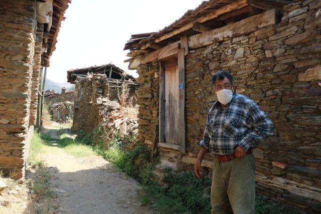 Sadece 5 kişinin yaşadığı 'kendinden sosyal mesafeli' köy
