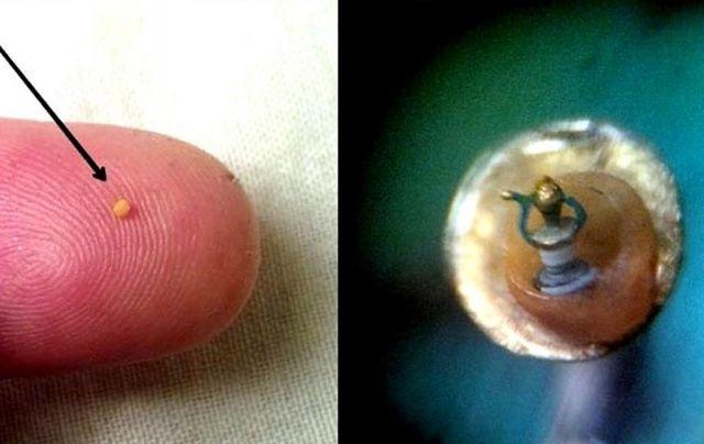 42 mikro minyatür eser sergileniyor