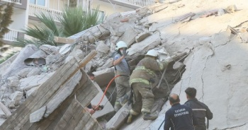 İşte 6.6'lık depremden fotoğraflar