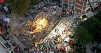 İzmir'de deprem! Havadan görüntülendi
