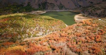 Nemrut Krater Gölü hayran bırakıyor