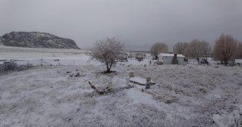 Seydikemer'e yılın ilk karı düştü