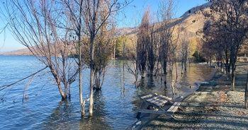 Deprem merkezindeki gölde su seviyesi yükseldi