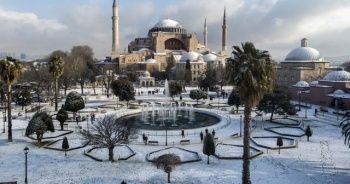 Ayasofya-i Camii'nde kartpostallık manzara