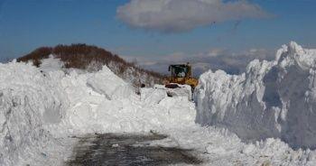 Kar kalınlığı 2-3 metreye yükseldi