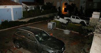 Çeşme'de hortum: Araçlar devrildi