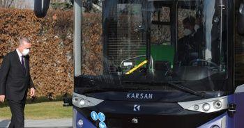 Sürücüsüz elektrikli otobüs tanıtıldı