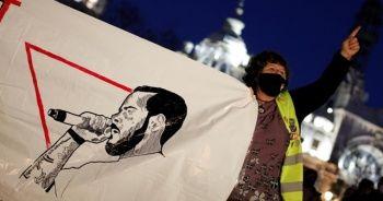 İspanya'da rapçi Pablo Hasel'in destekçileri sokaklara döküldü