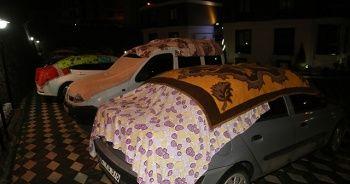 Dolu yağışına çarşaflı battaniyeli önlem