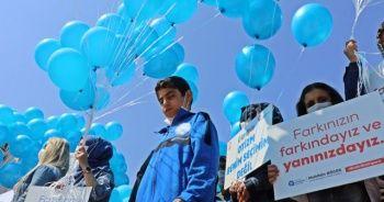 Antalya semaları binlerce balonla masmavi oldu