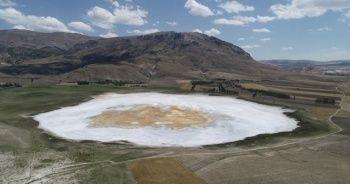İlginç görüntüsüyle korkutan Kellah gölü eski haline kavuştu