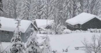 Kar kalınlığı 120 santimetreyi buldu