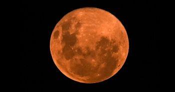 Süper Pembe Ay manzarası görenleri hayran bıraktı