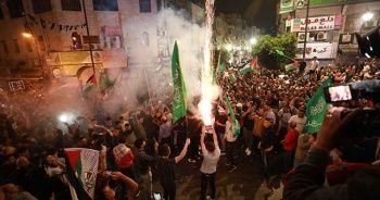 Gazze ve Batı Şeria'da ateşkes sevinci