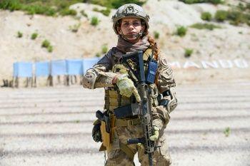 Terör operasyonları için eğitim alan ilk kadın astsubay