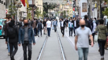 Türk Profesör Türkiye'de salgının biteceği tarihi açıkladı