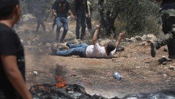 İşgalci İsrail Filistinlilere saldırdı