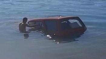 Balık tutmaya gitti balık yerine otomobil çıkardı