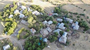 Bingöl depreminin hasarı gün ağarınca ortaya çıktı