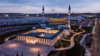 Dünyanın ilk 'altın' sertifikalı camisi