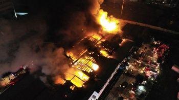 Kağıt ambalaj üretim merkezindeki yangın