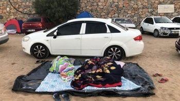 Oteller doldu: Tatilciler buldukları yere yattı