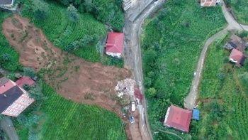 Rize'de heyelan evi yıktı: Enkaz gün ağarınca ortaya çıktı