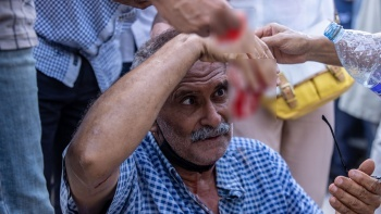 Tunus'ta darbe: Sokakta ilk kan aktı