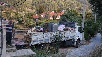 Burdur Bucak'ı alevler sardı: Yangın nedeniyle bir mahalleye tahliye