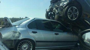 Tem Otoyolunda zincirleme kaza: 5 araç karıştı, 2 yaralı