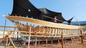 İsrail'in ambargosuna rağmen Gazze'de balıkçı teknesi inşa ediliyor