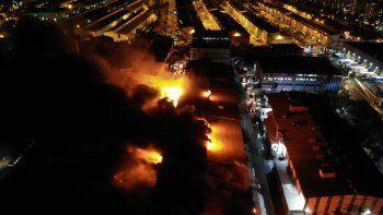 Kimyasal madde fabrikasında yangın