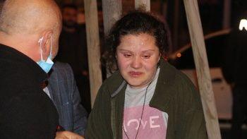Bina küle döndü: Vatandaşlar gözyaşları içerisinde izlediler