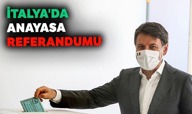 İtalya'da halk anayasa referandumu için sandık başında