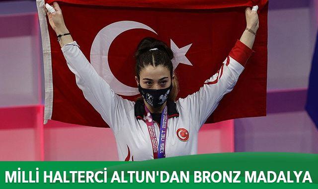 Milli halterci Berfin Altun'dan bronz madalya