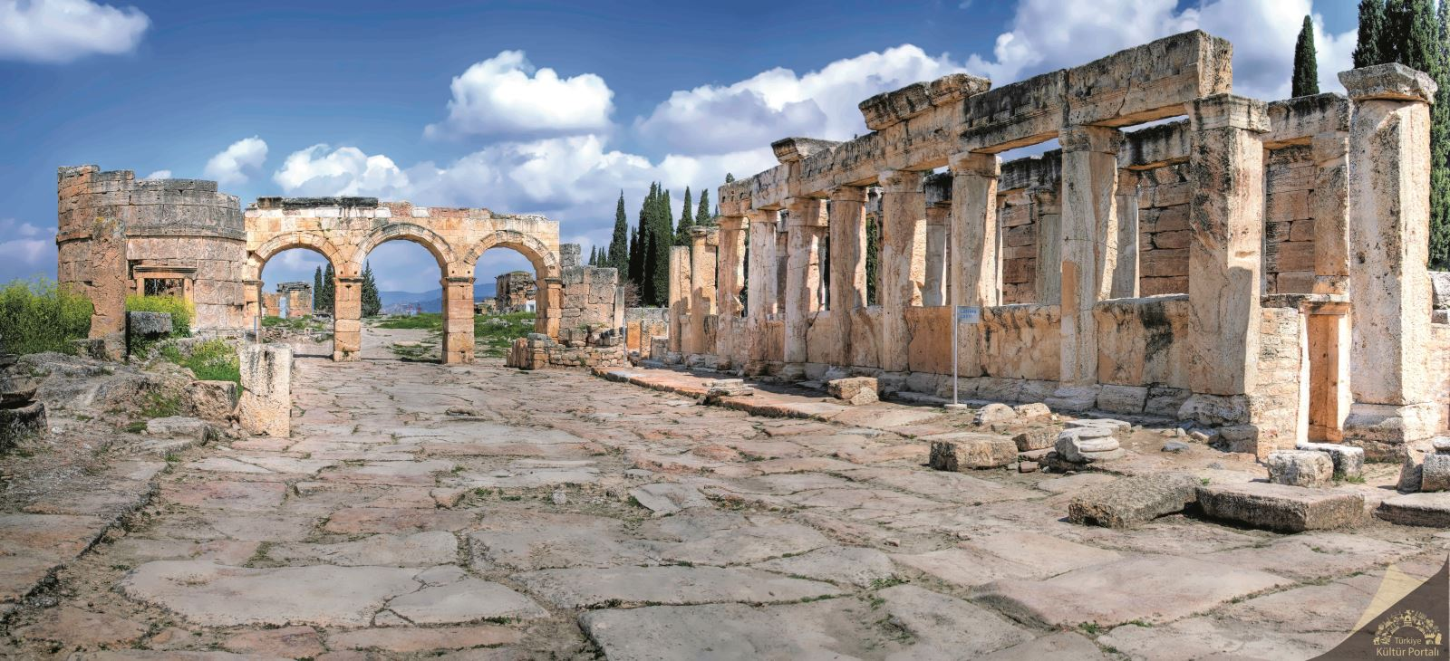 Pamukkale ve Hierapolis