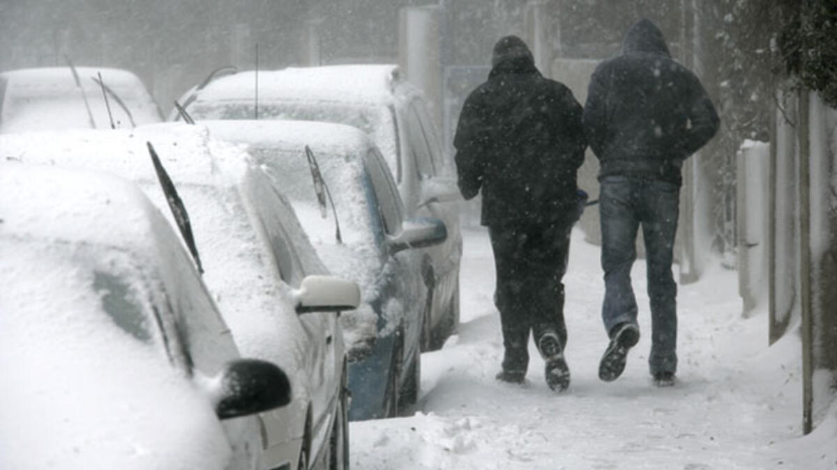Karlı ve Buzlu Zeminde Düşmeden Nasıl Yürünür?