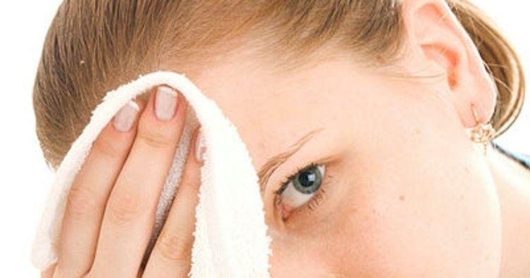 Soğuk Terleme Nedir? / Soğuk Terleme Nedenleri ve Tedavi Yöntemleri