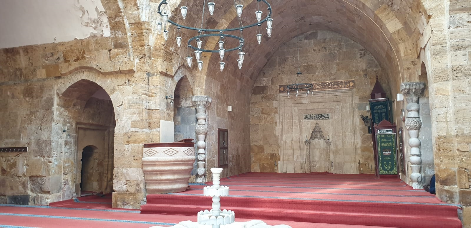 Cacabey Camii içi