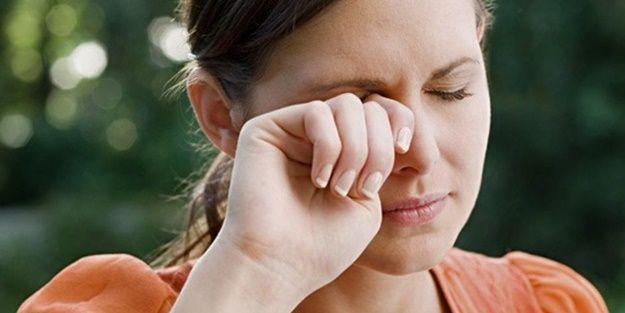 Göz Şişmesi Nasıl Geçer? Göz Şişkinliğine Ne İyi Gelir?