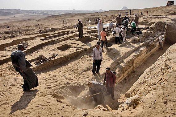 Mısır'da Firavunlar dönemine ait mezar bulundu