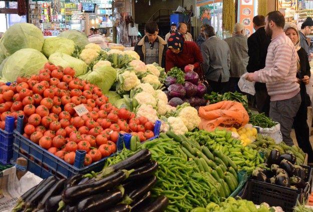 Domates ve biber fiyatları yüzde 40 arttı