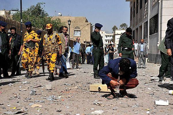 Yemen'de askeri servis aracına saldırı