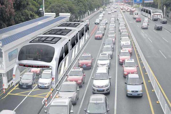Çin'de 6 milyon araç trafikten men edilecek