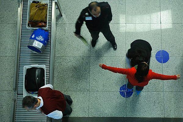 ABD, havalimanlarında güvenlik önlemlerini artırıyor