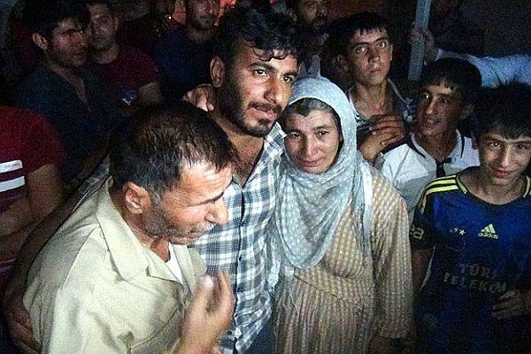 Türk şoförler 23 gün sonra ailelerine kavuştular